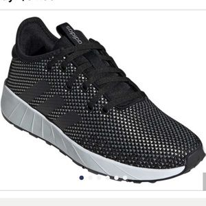Questar X Byd Sneaker